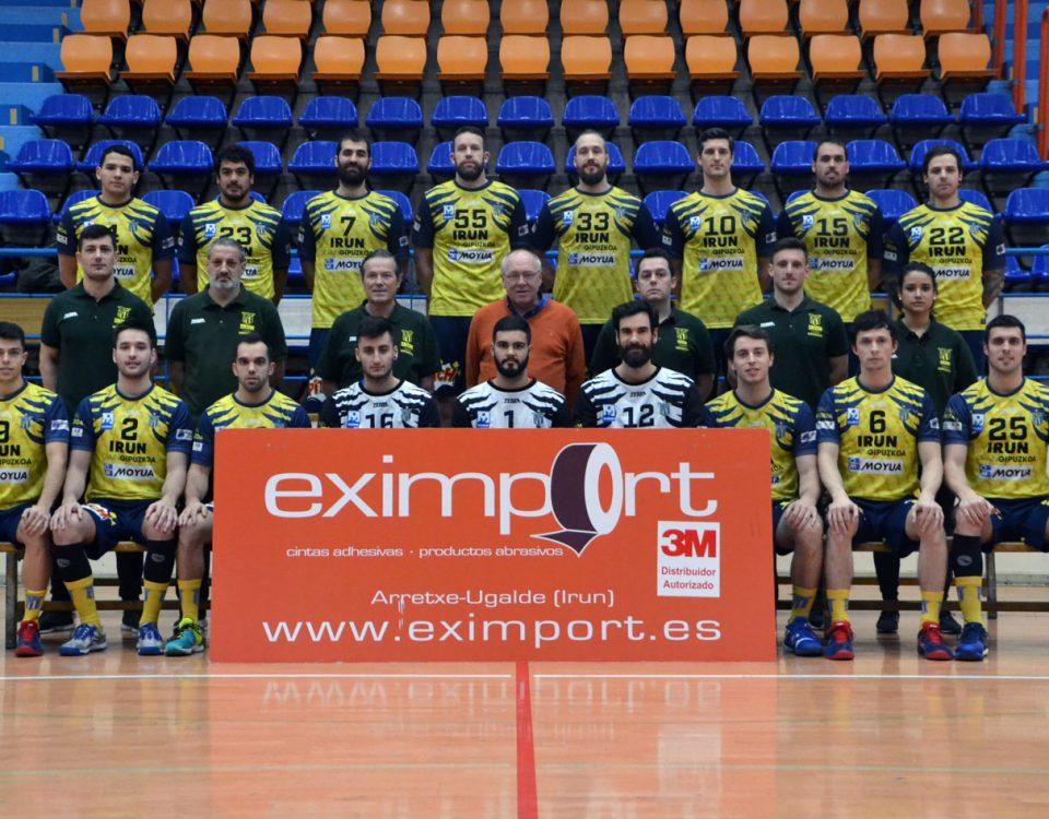 Foto del Acuerdo de patrocinio de TM Eximport con el CD Bidasoa